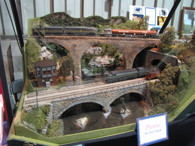 Check Engine Light On And Off >> Model Railroad Signals - RSUS